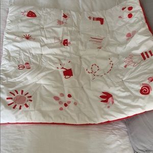 Organic cotton Deuz baby playmat in garden print